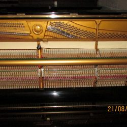 Yamaha U3H for rent