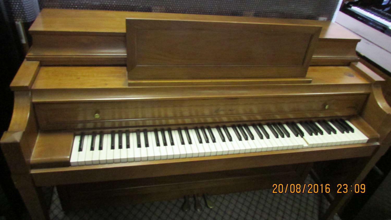 Acrosonic piano for rent
